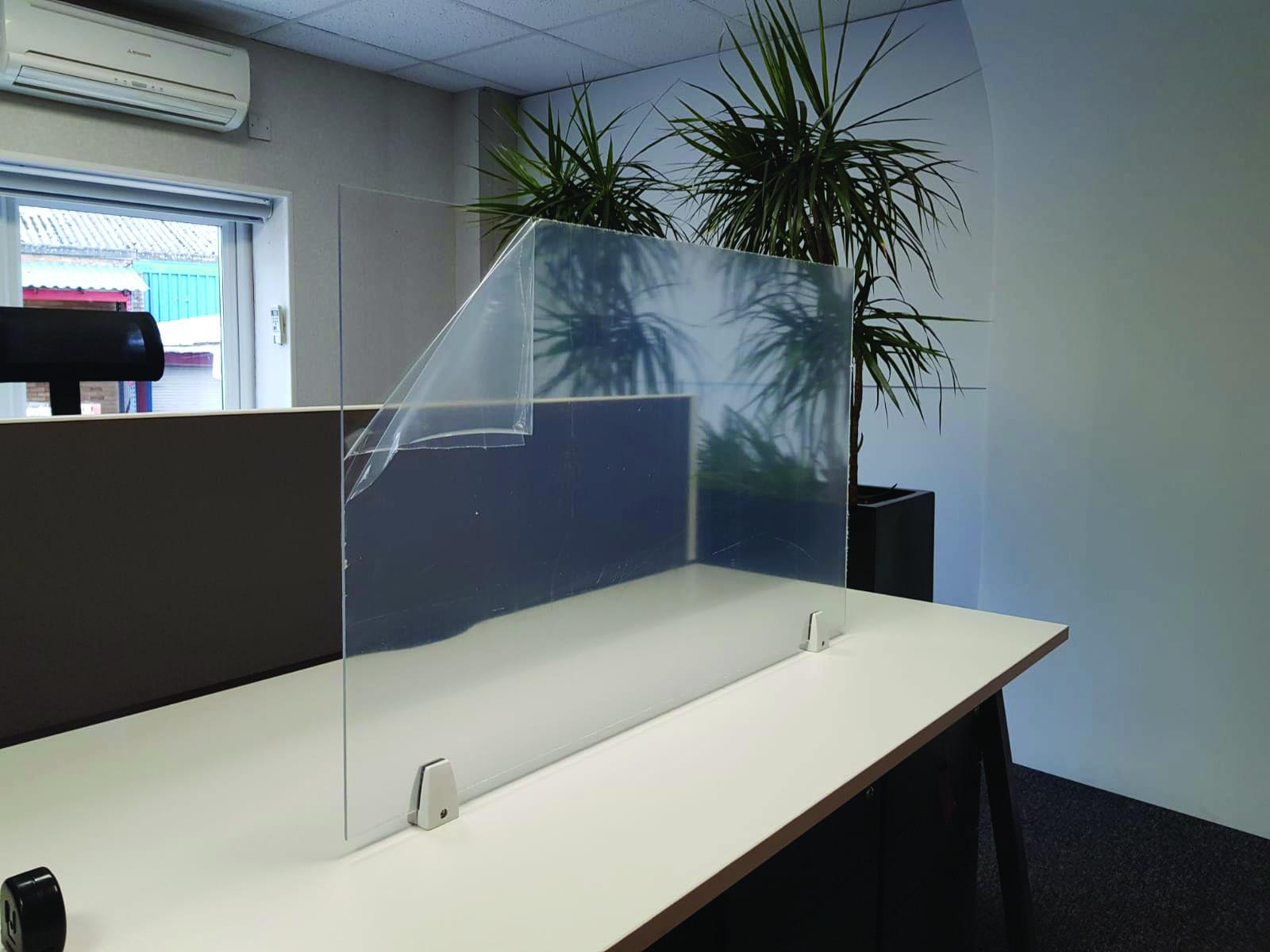 TBS Desk Mounted Sneeze Screens